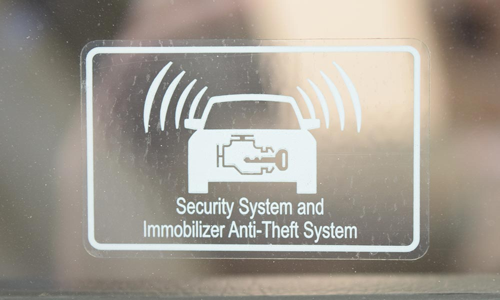 How long does it take to install a car alarm?   Compustar